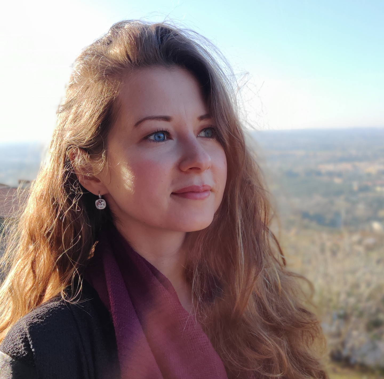 Olga Usmanova headshot