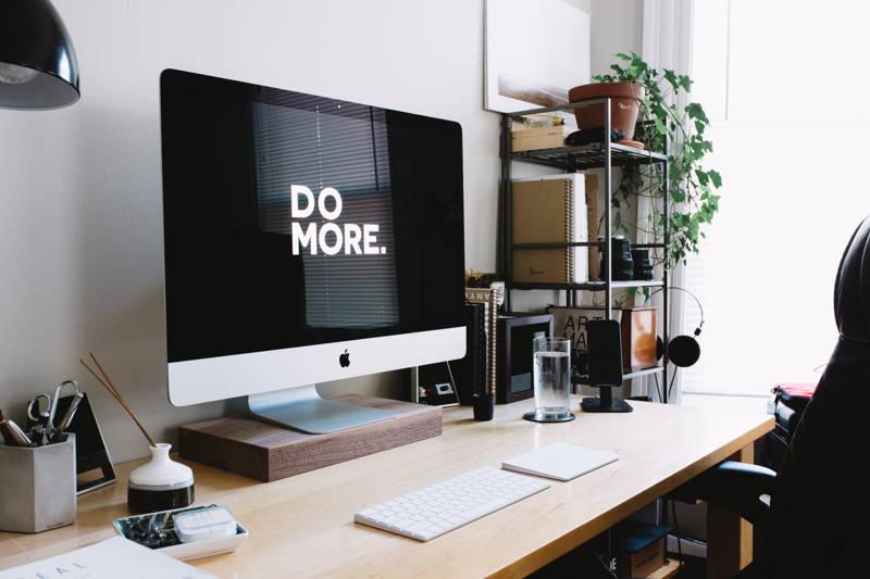 Desktop computer with inspiring message on screen