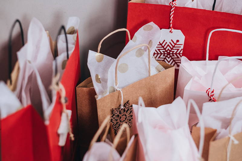 10 Safe Gift Ideas for the Office Gift Swap