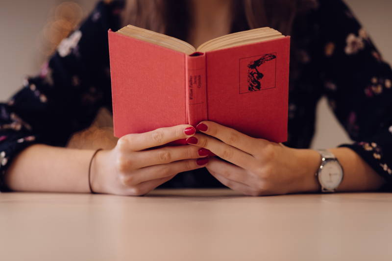 Are Female Characters Flat in Classic Novels? A New Study Says Yes